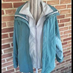 🌿Cabela's Waterproof Teal Layered Coat
